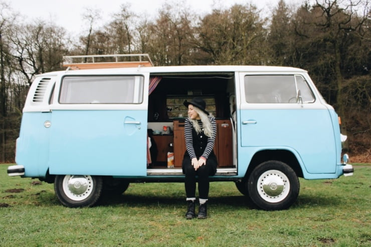 Een weekendje wildkamperen in een hippiebusje!